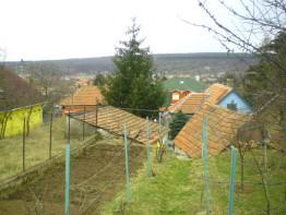 Látkép a kertből
